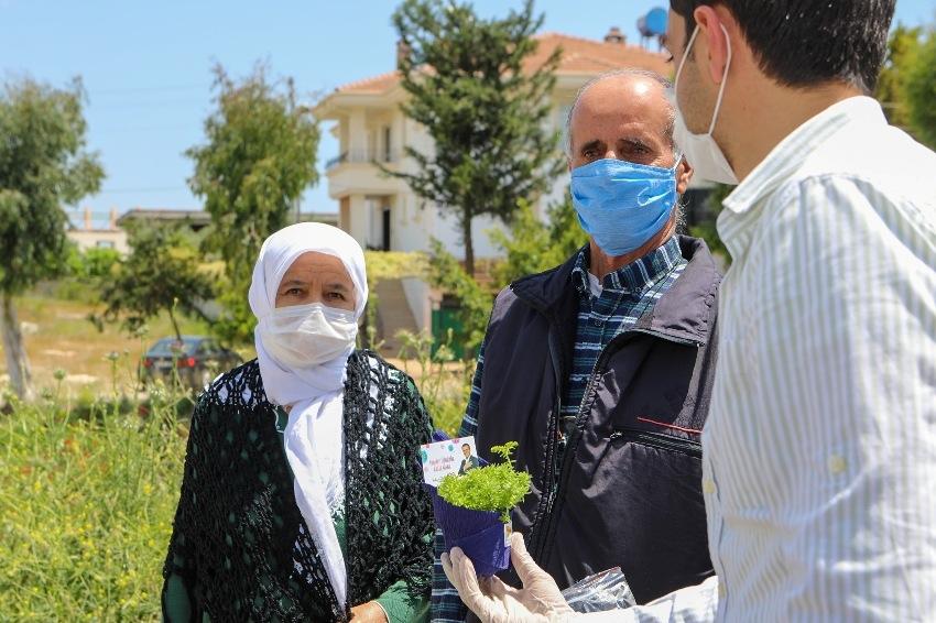 Mersin Büyükşehir'den Paramotorla ''Anneler Günü'' Kutlaması! Mersin Büyükşehir, Annelerin Gününü Gökyüzünden de Kutladı