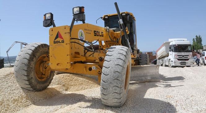 Erdemli Akdeniz Mahallesi'nde Yollar Tamamlanıyor! Hizmet Erdemli'de Vatandaşın Ayağına Seriliyor