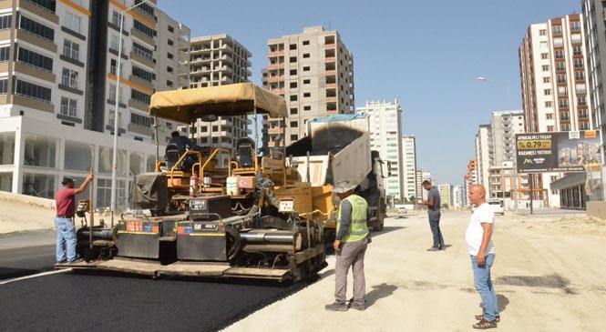 Büyükşehir'den Ümit Yaşar Oğuzcan Bulvarı'nda Asfaltlama Çalışması