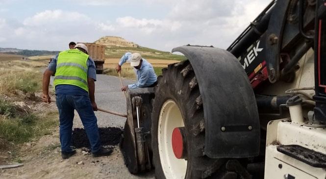 Mersin Büyükşehir Ekiplerinden Kırsal Mahalle Yollarında Hummalı Çalışma
