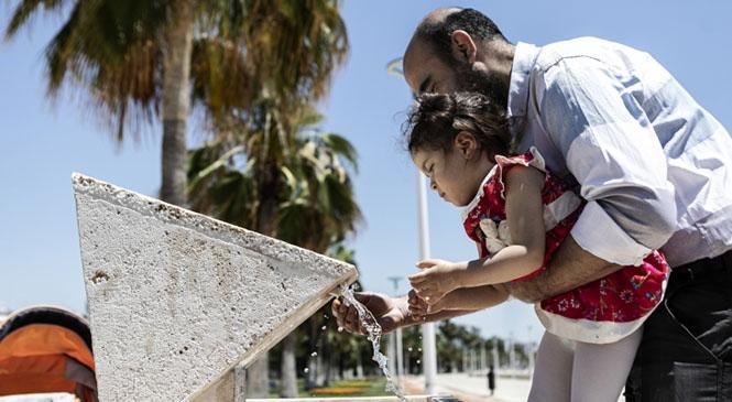 Parklara Su Tasarrufu Sağlayan Çeşmeler Yerleştiren Büyükşehir, Fazla Su Tüketimini Engellecek