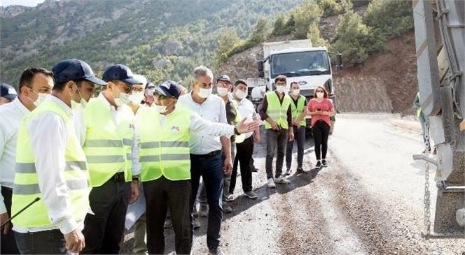 Mersin Büyükşehir, Koramşalı Mahallesi'nin 13 Kilometrelik Grup Yolunu Hem Genişletti Hem İyileştirdi