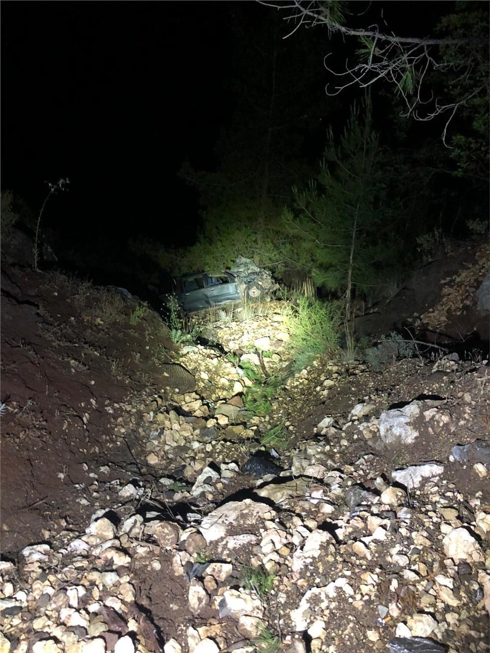 Mersin Erdemli Çamlı Mahallesinde Yaşayan Hasan Eren İsimli Kayıp Gencin Kaza Yapıp Uçuruma Yuvarlandığı Ortaya Çıktı