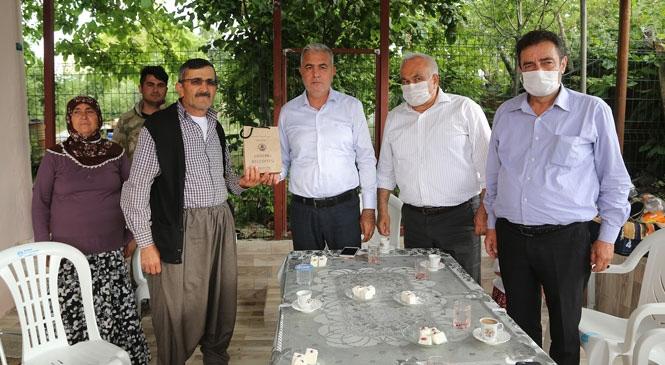 Başkan Tollu'dan Şehit Babalarına Ziyaret! Milletvekili Şimşek İle Birlikte Ziyarette Bulundular