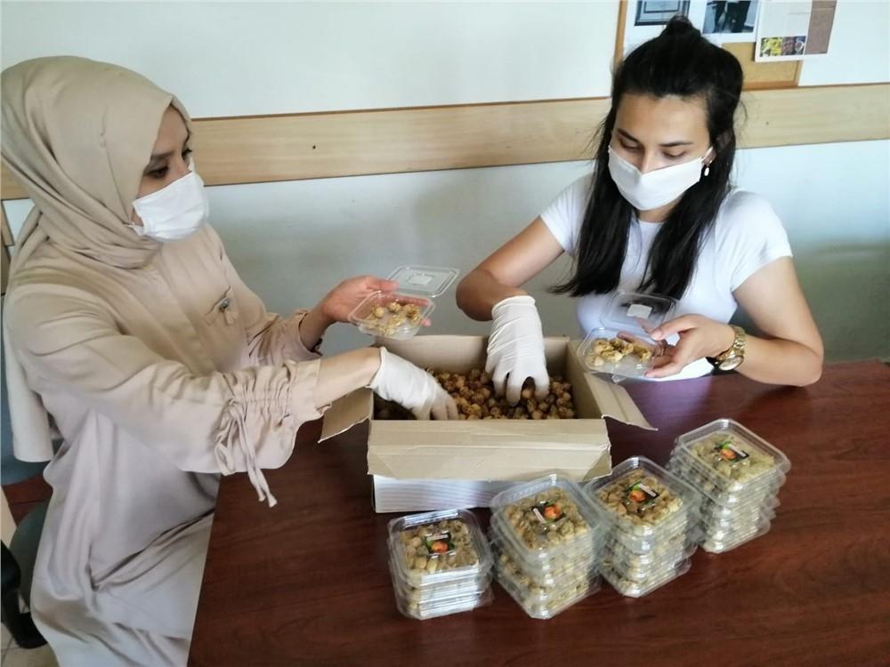 Mersin Erdemli'de Yetişen Hint İncirinin Çiçeği Rahatsızlıklara Şifa Oluyor