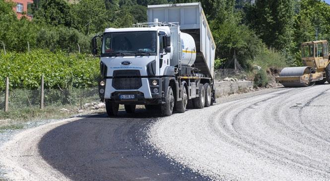 Mersin Hacgediği - Kayrakkeşli'nin 4,4 Kilometrelik Yol Sorunu Çözüldü