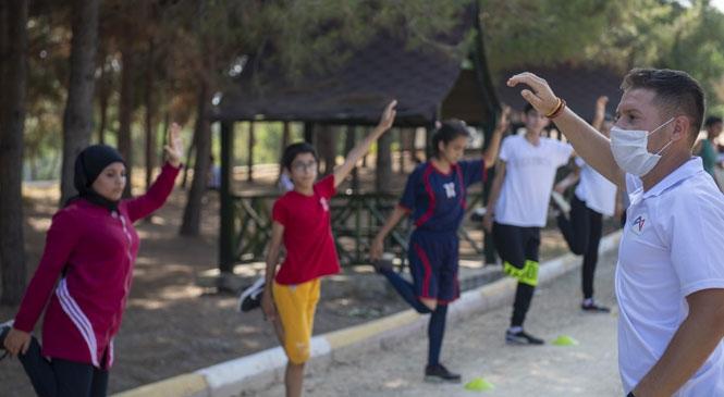 Geleceğin Sporcularını Spor Liselerine Hazırlayan Mersin Büyükşehir Belediyesi Açtığı Kurslar İle Gençler Sınavlara Ücretsiz Hazırlanıyor