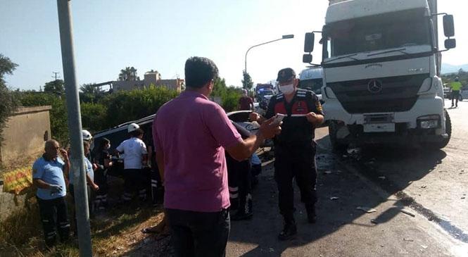 Mersin Silifke Taşucu'nda Meydana Gelen Kazada: Kamyonla Cip Çarpıştı