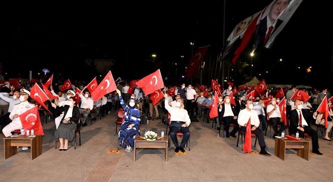 """""""15 Temmuz Demokrasi Nöbeti"""" Mersin Valisi Ali İhsan Su'nun Katılımıyla Gerçekleşti"""