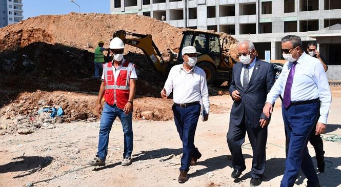 Mersin Valisi Su, Mezitli Yeni Hükümet Konağı İnşaatında İncelemelerde Bulundu