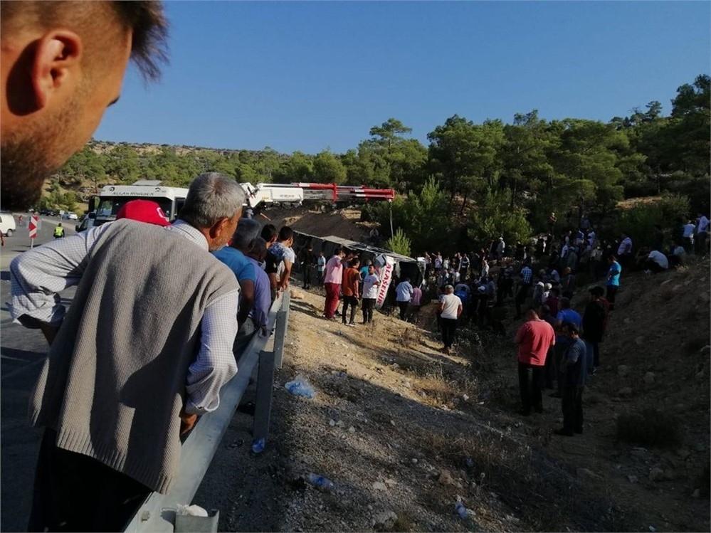 Mersin Mut'ta Askeri Personeli Taşıyan Otobüs Devrildi: 5 Askerimiz Şehit Oldu