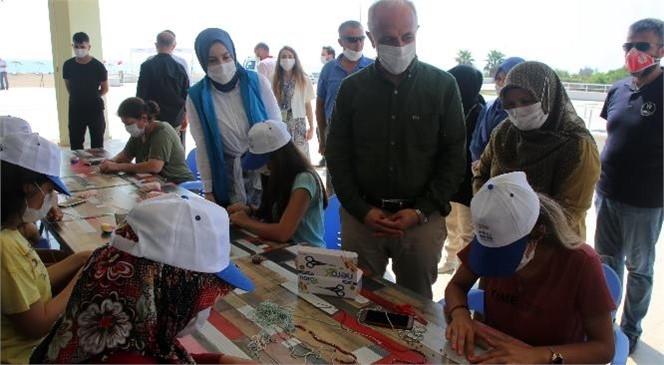 Akdeniz Belediye Başkanı Gültak, Kampa Giren Anneler İle Kızlarını Ziyaret Etti