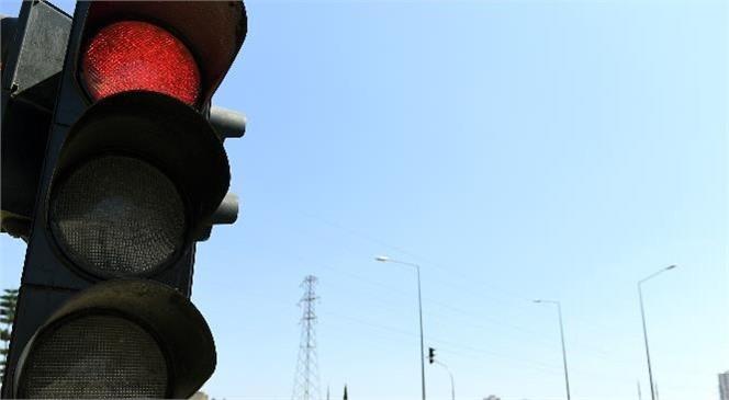Büyükşehir, 20. Cadde'deki Kavşağa Trafik Sinyalizasyon Sistemi Kurdu