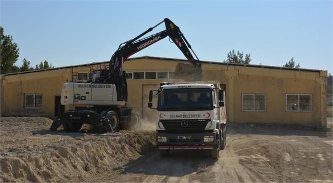 Gülnar'da Kuş Üzümü Paketleme Tesisi Kurulacak Olan Alanın Çevre Düzenleme Çalışmaları Başladı
