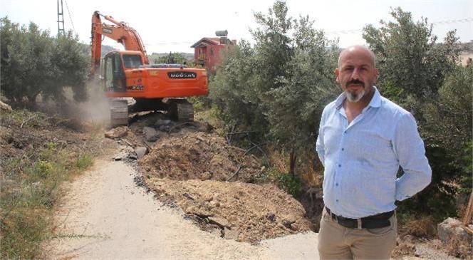 Akdeniz Belediyesi, İhsaniye'de Çöken Yolu Yenileyip Güçlendiriyor