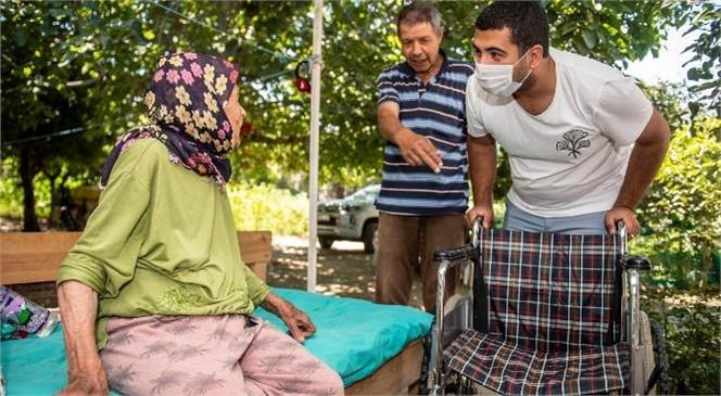 Büyükşehir, 85 Yaşındaki Nebiha Yüksel'e Tekerlekli Sandalye Ulaştırdı