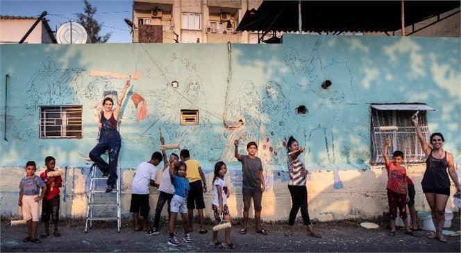 Müzik, Dans, Resim Hepsi Bu Sokaklarda