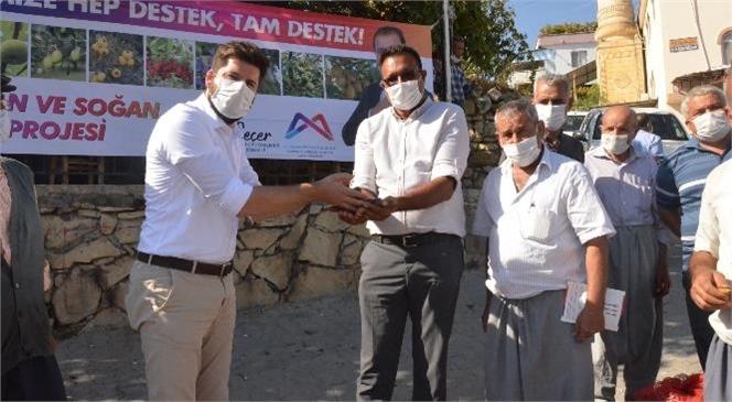 """Büyükşehir'den Tarsuslu Üreticilere Nergis Soğanı! Ali Boltaç: """"Büyükşehir Belediyesi'nin Üreticilere Desteği Devam Edecek"""""""