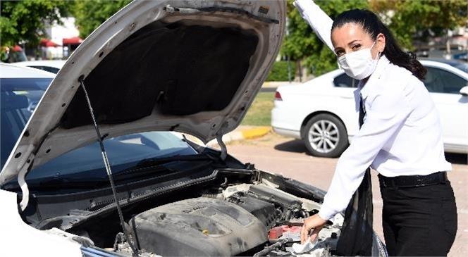 Mersin'de Daire Başkanı Da, Otobüs Şoförü De, Marangoz Da, Makam Şoförü de Kadın