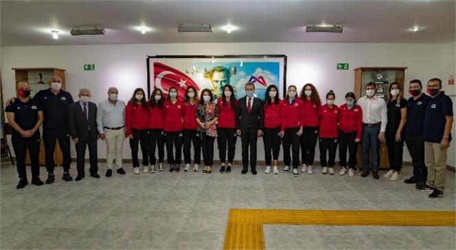 Başkan Seçer, Kadın Voleybol Takımı İle Bir Araya Geldi