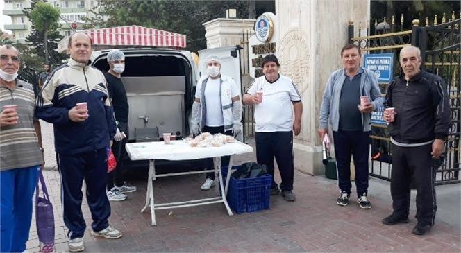Tarsus'ta Hafta İçi Hergün Farklı Noktalarda Çorba Dağıtımı