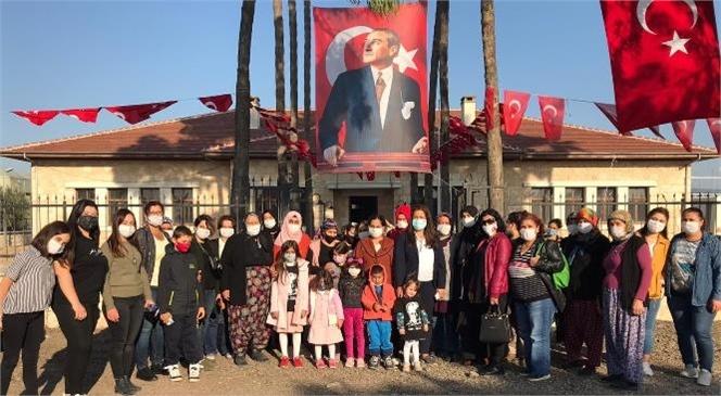 Mersin'de Hayat Durdu, Gözlerden Atatürk İçin Yaşlar Süzüldü