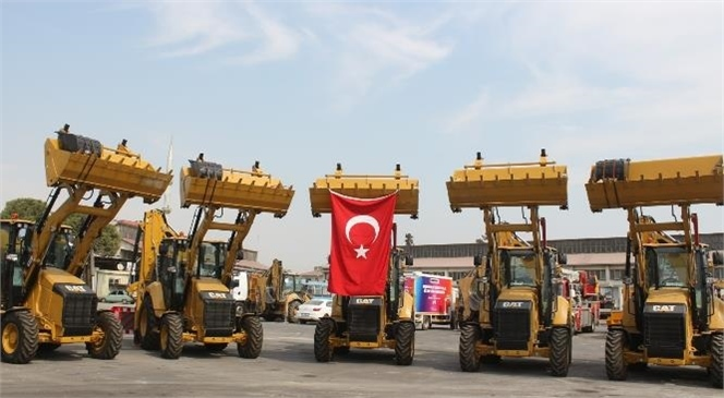 Mersin Büyükşehir Belediyesi, Araç Filosunu Daha Kaliteli Hizmet Vermek Amacıyla Yeni Aldığı 79 İş Makinesiyle Güçlendirdi