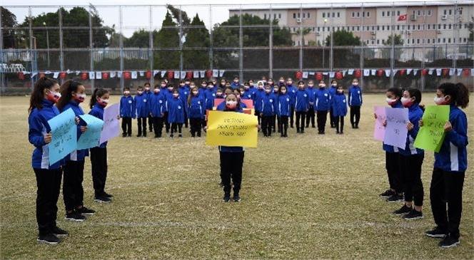 """Çocuklardan Ortak Mesaj: """"Hayır Deme Hakkımız Var, Haklarımıza Dokunma!"""""""