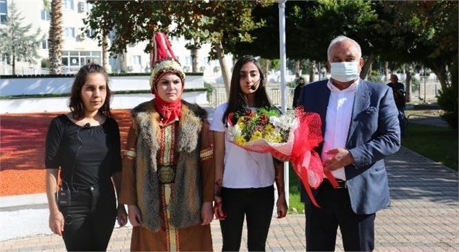 """""""Sokakta Tiyatro Sergilediler, Kadına Şiddete Hayır Dediler"""""""