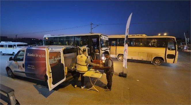 Büyükşehir'in Sıcak Çorbaları Gün Doğmadan İşe Giden Tarım İşçilerinin de İçini Isıtıyor