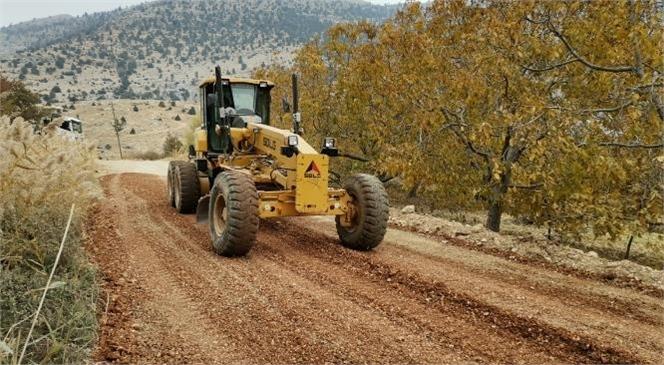 Büyükşehir'den 12 Mahallenin Kullandığı Yolda Çalışma! Mersin Büyükşehir Belediyesi, Tüm İlçelerde ve Bağlı Yollarda Yapım, Bakım ve Onarım Çalışmalarını Sürdürüyor