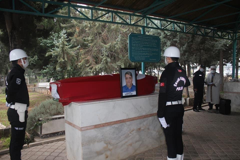 Covid-19 Nediyle Tedavi Gördüğü Hastanede Vefat Eden Başpolis Memuru Hazret Özdemir'e Son Görev