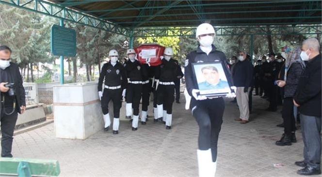 Mersin Tarsus'ta Covid-19 Nediyle Tedavi Gördüğü Hastanede Vefat Eden Başpolis Memuru Hazret Özdemir'e Son Görev