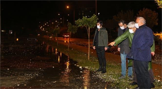 Erdemli'de Sağanak Yağış Etkili Oldu