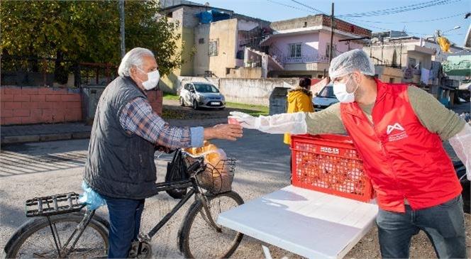 """Dar Gelirli Roman Vatandaşların İçi Sıcak Çorba İle Isınıyor! Büyükşehir """"1 Ekmek 1 Çorba"""" Hizmetini Başlattı"""