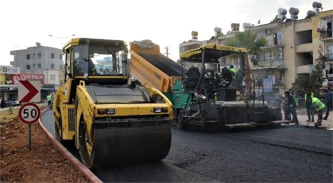 Mersin Büyükşehir, Toroslar'da Asfalt Çalışmalarını Sürdürüyor