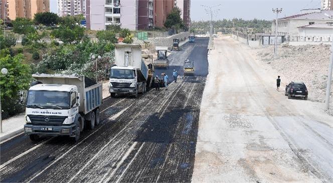Yol Yapım ve Bakım Ekipleri Kent Genelinde 27 Noktada Çalışma Yürütüyor