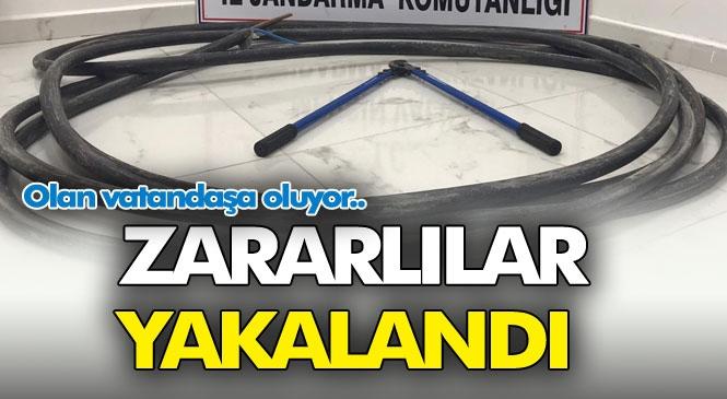Şebeke Sorunun Başlıca Sorumlusu Hırsızlar Yakalandı! Mersin Tarsus'ta Baz İstasyonunun Enerji Kablolarını Kesip Çalan Şahıslar Tespit Edilerek Yakalandı