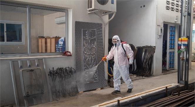 Mersin'in Tamamı Dezenfekte Ediliyor! Büyükşehir, Tarsus Sanayi Sitesi'ni Dezenfekte Etti