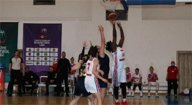 Kadın Basketbol Takımı Fenerbahçe Gelişim'i 62-60 Yendi
