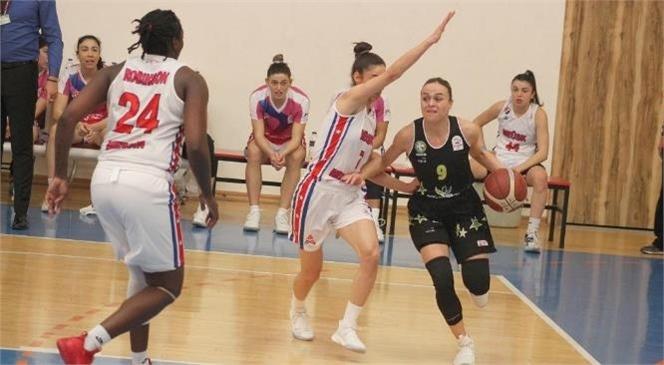 Kadın Basketbol Takımı Ligde Emin Adımlarla İlerliyor