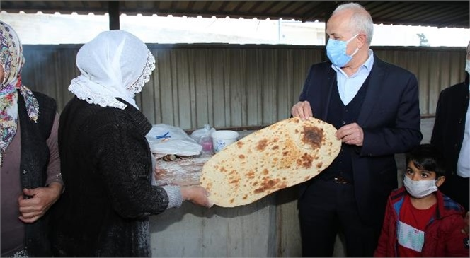 Akdeniz Belediye Başkanı Gültak, Emek Mahallesini Ziyaret Etti