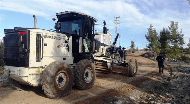 Gülnar Belediyesi Yol Bakım ve Onarım Çalışmalarına Devam Ediyor