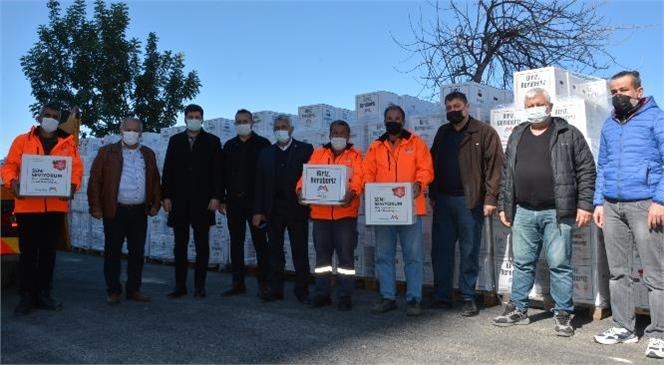 Mersin Büyükşehir'den Tarsus ve Çamlıyayla'da İş Yeri Kapalı Esnaflara Gıda Kolisi