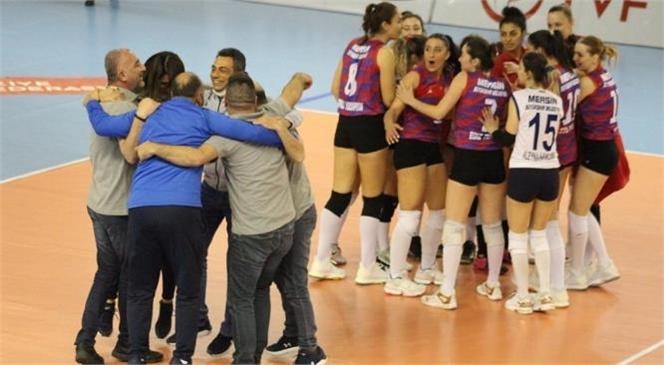 Büyükşehir Kadın Voleybol Takımı Play-off'u Garantiledi