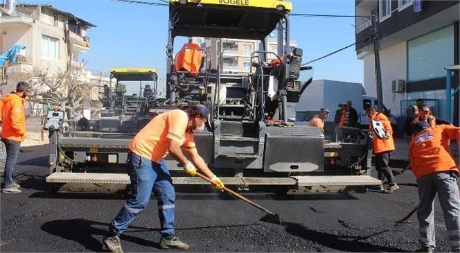 Mersin Büyükşehir Ekipleri, Kent Genelinde Deforme Olmuş Yolları Yeniliyor! Mezitli'deki 3 Caddede Sıcak Asfalt Çalışması