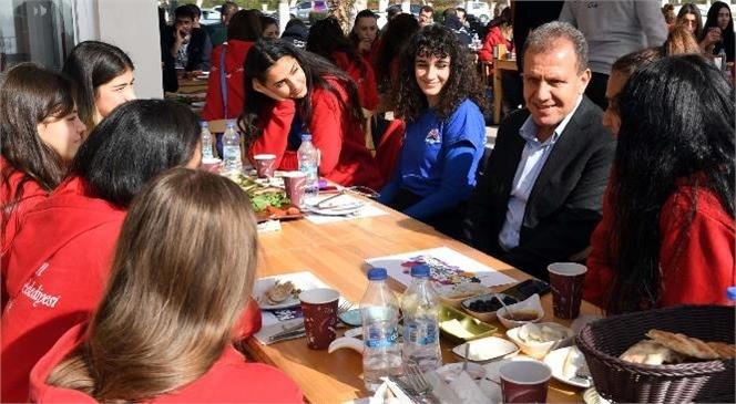 Başkan Seçer'den Büyükşehir Gsk Sporcularına Moral Etkinliği
