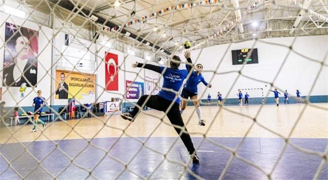Büyükşehir Kadın Hentbol Takımı Mücadeleye Hazır