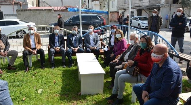 Büyükşehir Bürokratları, Tarsus'ta Esnafı Ziyaret Etti, Vatandaşları Dinledi