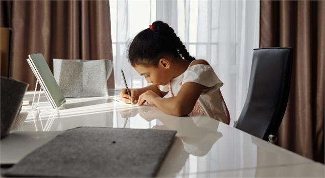 MEB Ortaokullar İçin Güncellenen Yüz Yüze Sınav Takvimini Yayımladı